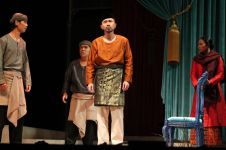 Nyanyi Sunyi Revolusi, teater tentang Amir Hamzah yang epik abis
