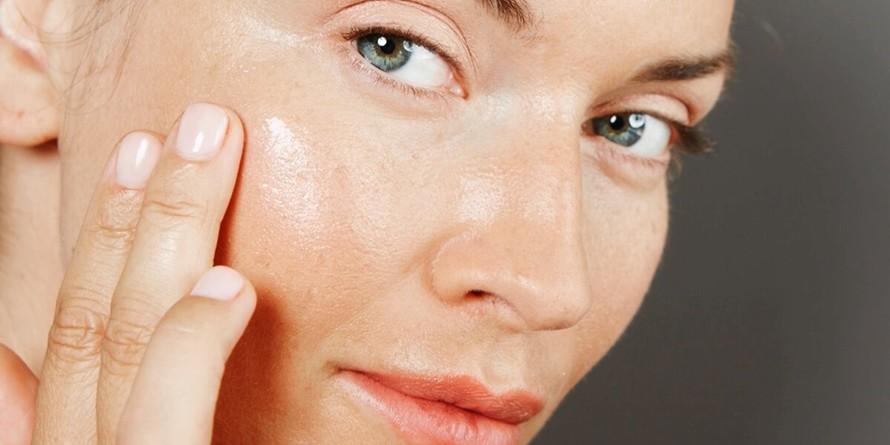 16 Cara menghilangkan kantung mata secara alami dan efektif © 2019 brilio.net