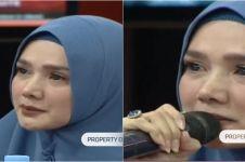 5 Momen Mulan Jameela menangis kenang Ahmad Dhani di penjara