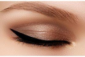 Trik mudah memakai eyeliner bagi pemula, cepat & tanpa belepotan