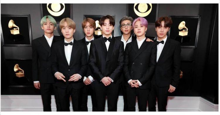 10 Penampilan Bts Di Grammy Award 2019 Kompak Pakai Tuksedo