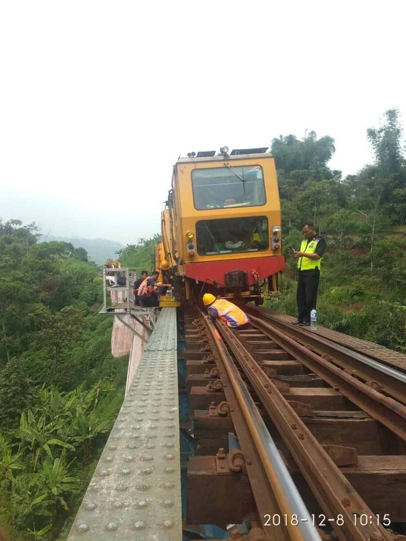 15 rute kereta api berbahaya dunia © 2019 brilio.net