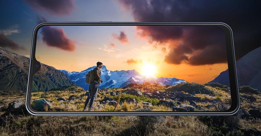 5 Kelebihan Samsung Galaxy M20, anti lowbat