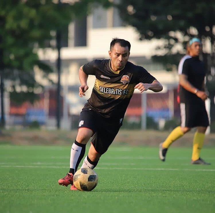 seleb ganteng main bola di lapangan © 2019 brilio.net
