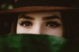 15 Cara memanjangkan bulu mata secara alami dan cepat