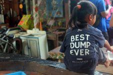 Restoran cepat saji ini berbagi keceriaan di antara gunung sampah