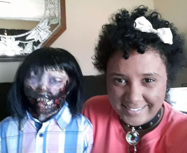 menikah dengan boneka zombie mirror