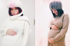 Hamil bayi kembar, ini 7 potret Sora Aoi pamer perut buncit