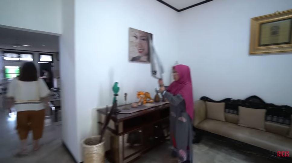 rumah Ayu Dewi YouTube