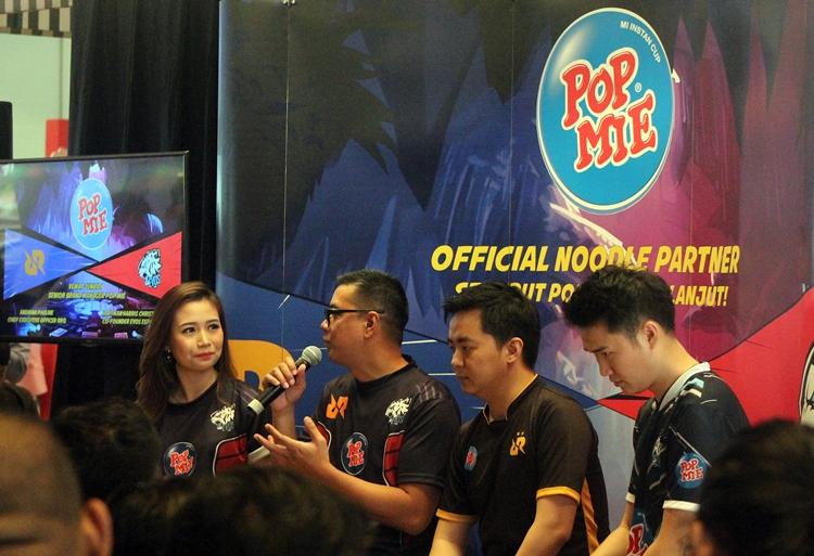 Perusahaan mi instan ini resmi gandeng dua tim besar e-Sport tanah air