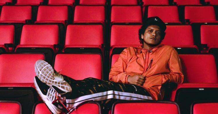 Lagunya masuk daftar dibatasi tayang, begini tanggapan Bruno Mars
