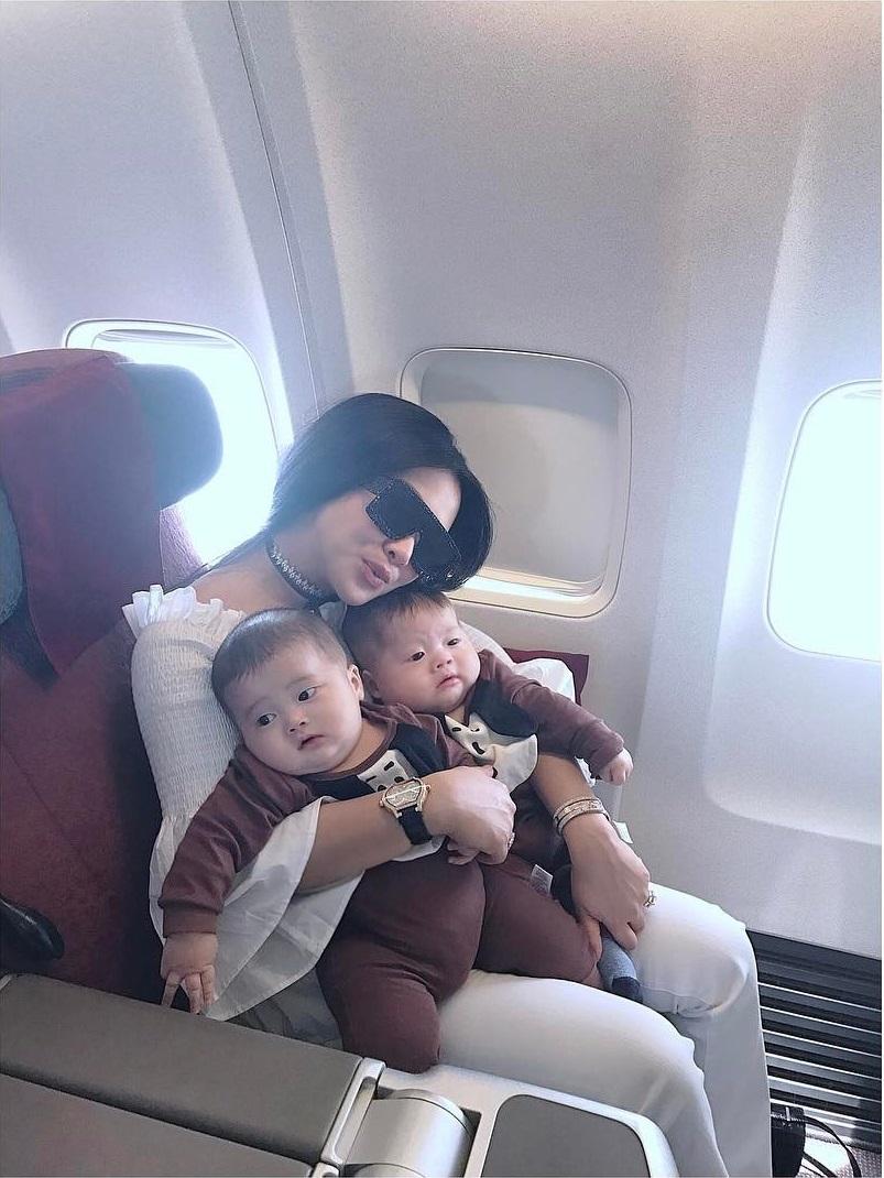 Syahrini anak kecil © 2019 Instagram