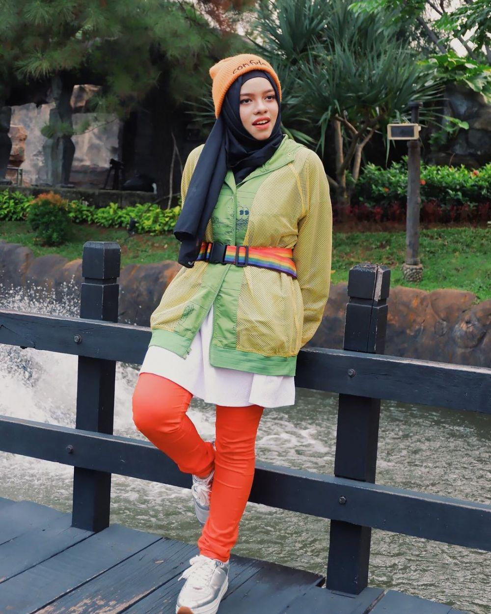 Inspirasi fashion tabrak warna Sajidah Halilintar © 2019 brilio.net