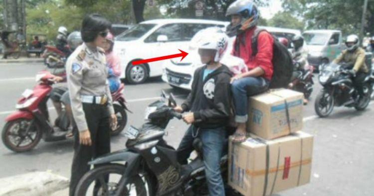 12 Aksi bapak-bapak saat mengendarai motor ini ngeri-ngeri sedap