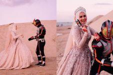 Penggemar berat Kamen Rider, 5 foto pernikahan pasangan ini unik