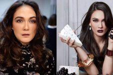 Sering tampil natural, ini 7 potret Luna Maya ber-makeup tebal