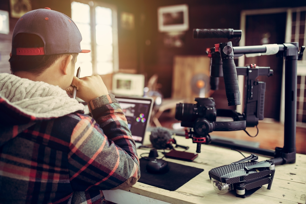 Siap menjadi Content Creator bersama Creatormuda Academy berbagai sumber