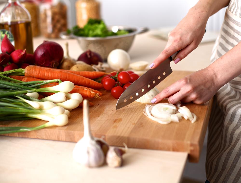 skill dasar memasak ala chef shutterstock.com