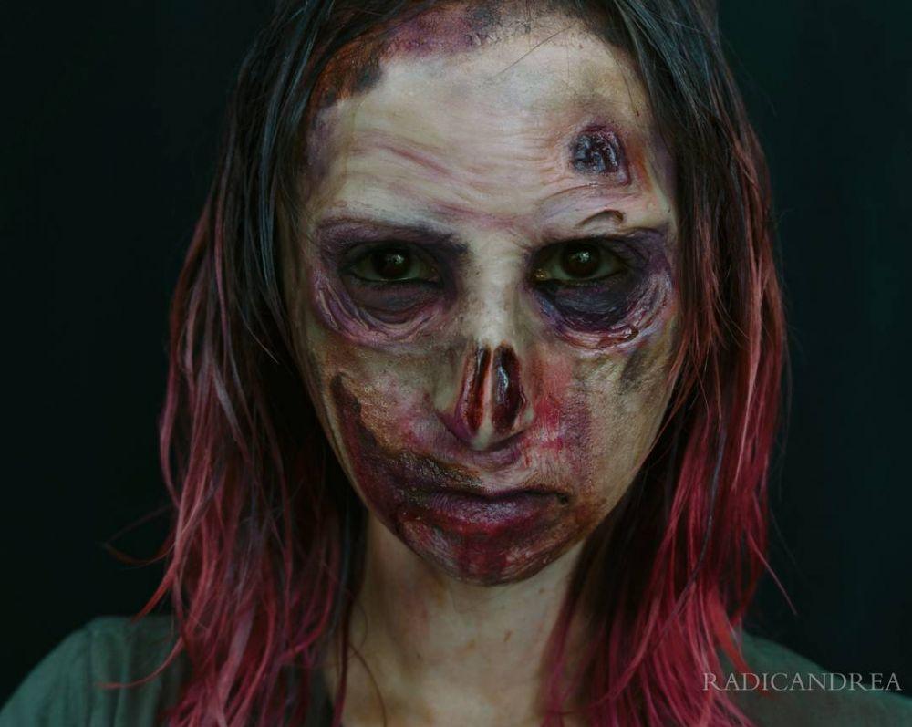 andrea makeup sadis ©  Instagram/@radicandrea