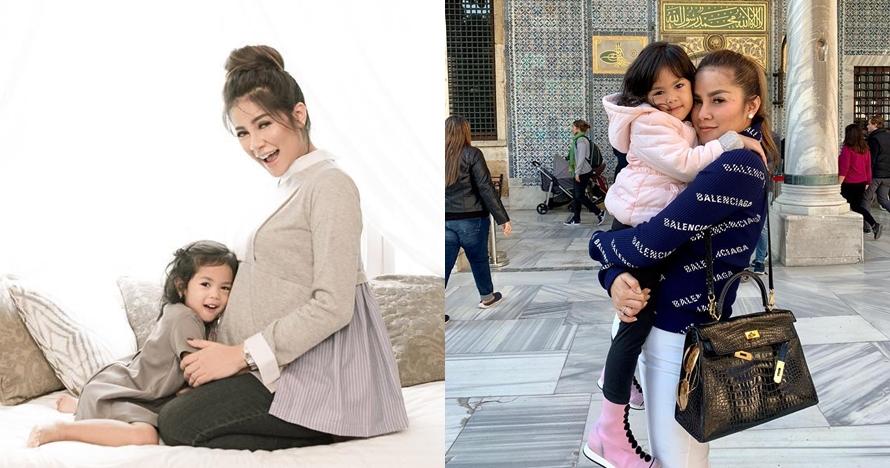 8 Fashion item mewah Aleena putri Olla Ramlan, tasnya Rp 20 juta