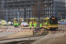 Penembakan di trem Belanda, pelaku kabur dan beberapa orang terluka