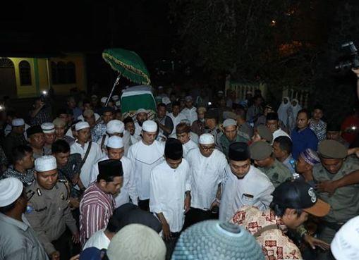 pemakaman ibu ustaz abdul somad © 2019 brilio.net berbagai sumber