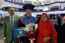 Cowok ini raih gelar doktor di usia 24 tahun dengan IPK 3,95