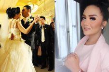 Rayakan 8 tahun menikah, aksi Krisdayanti cium Raul Lemos tuai kritik