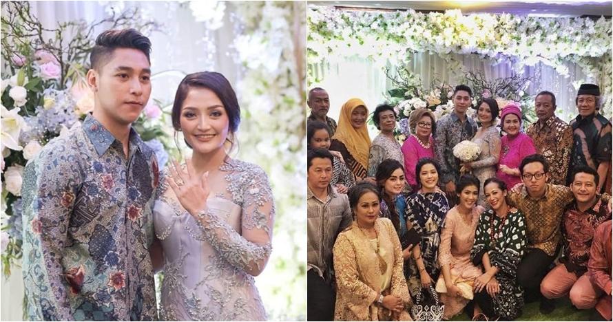 8 Momen lamaran Siti Badriah & Krisjiana, sematkan cincin warisan