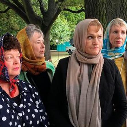 8 Aksi solidaritas warga Selandia Baru, ramai-ramai kenakan kerudung