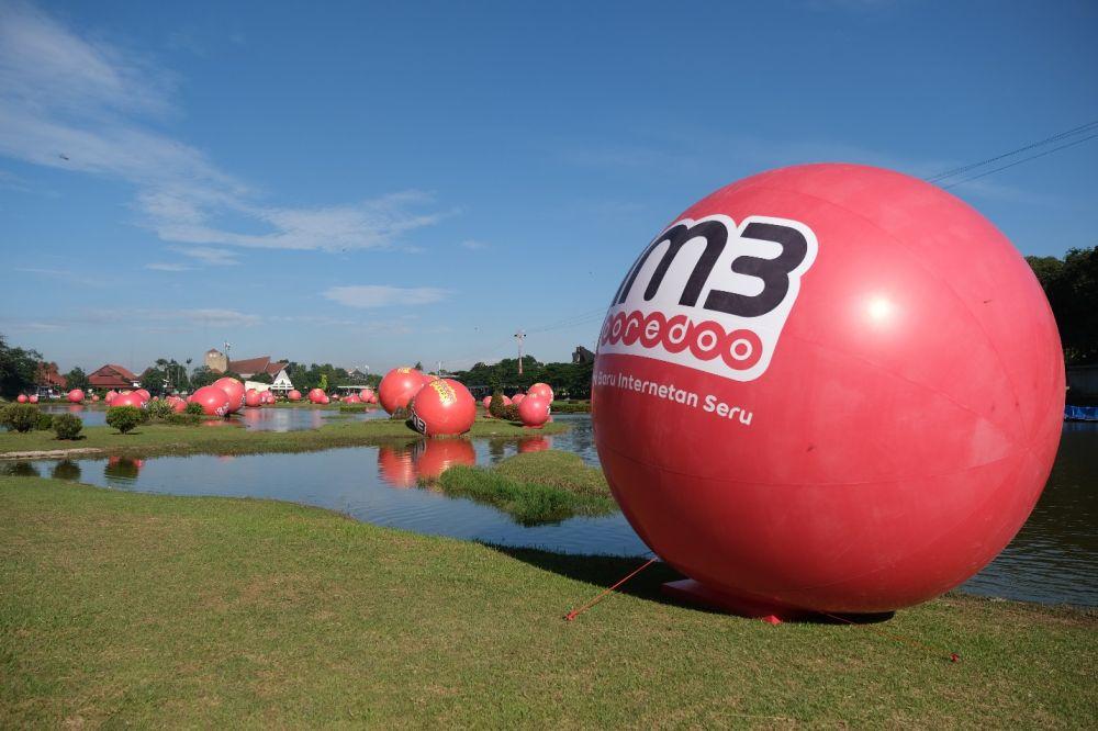 Ini rahasia di balik misteri 'Bola Merah' yang bertebaran di TMII IM3 Ooredoo