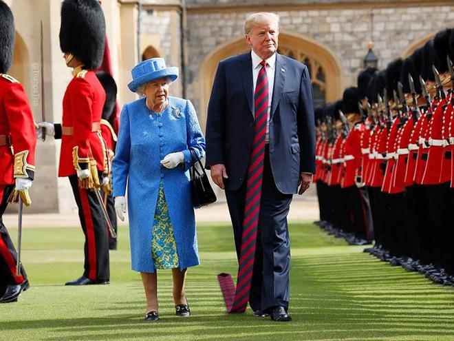 Foto editan Donald Trump pakai dasi panjang  © 2019 brilio.net