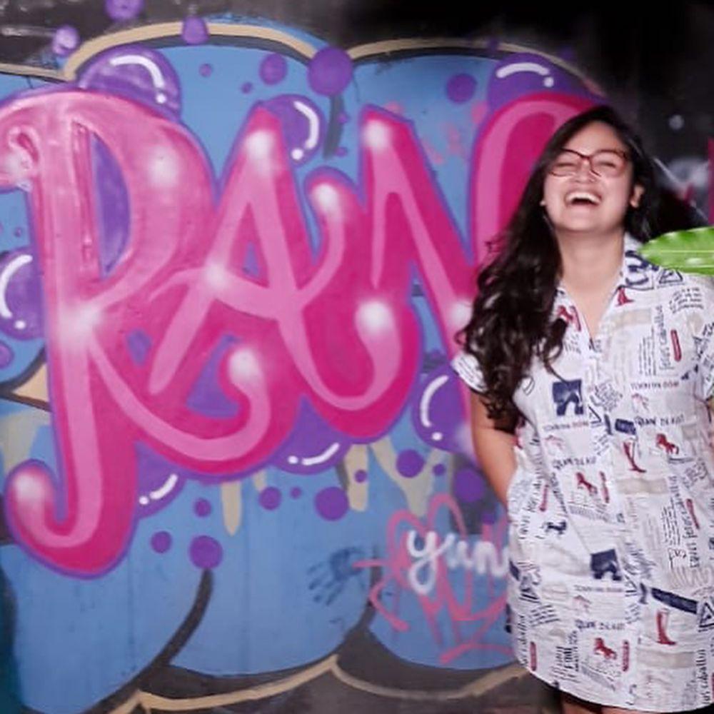 Momen Wendi Cagur bikin grafiti  © 2019 brilio.net