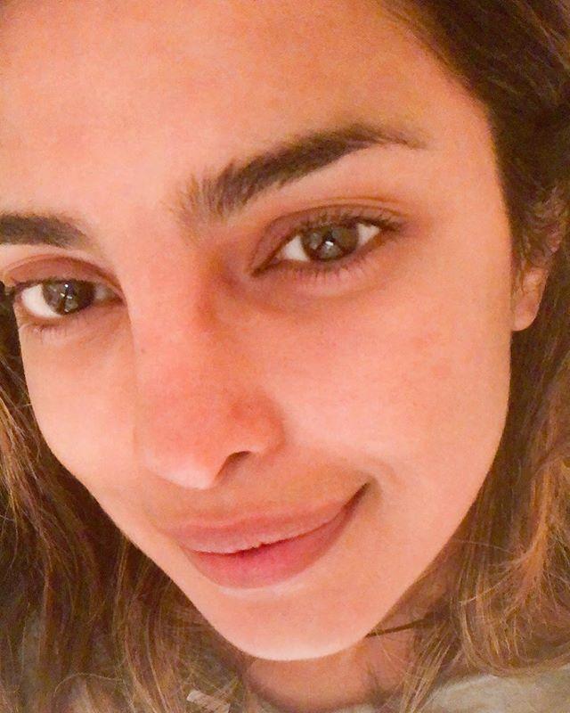 Priyanka tanpa makeup instagram