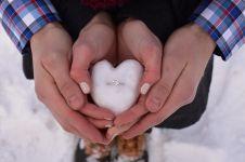 10 Konsep lamaran paling romantis, so sweet banget