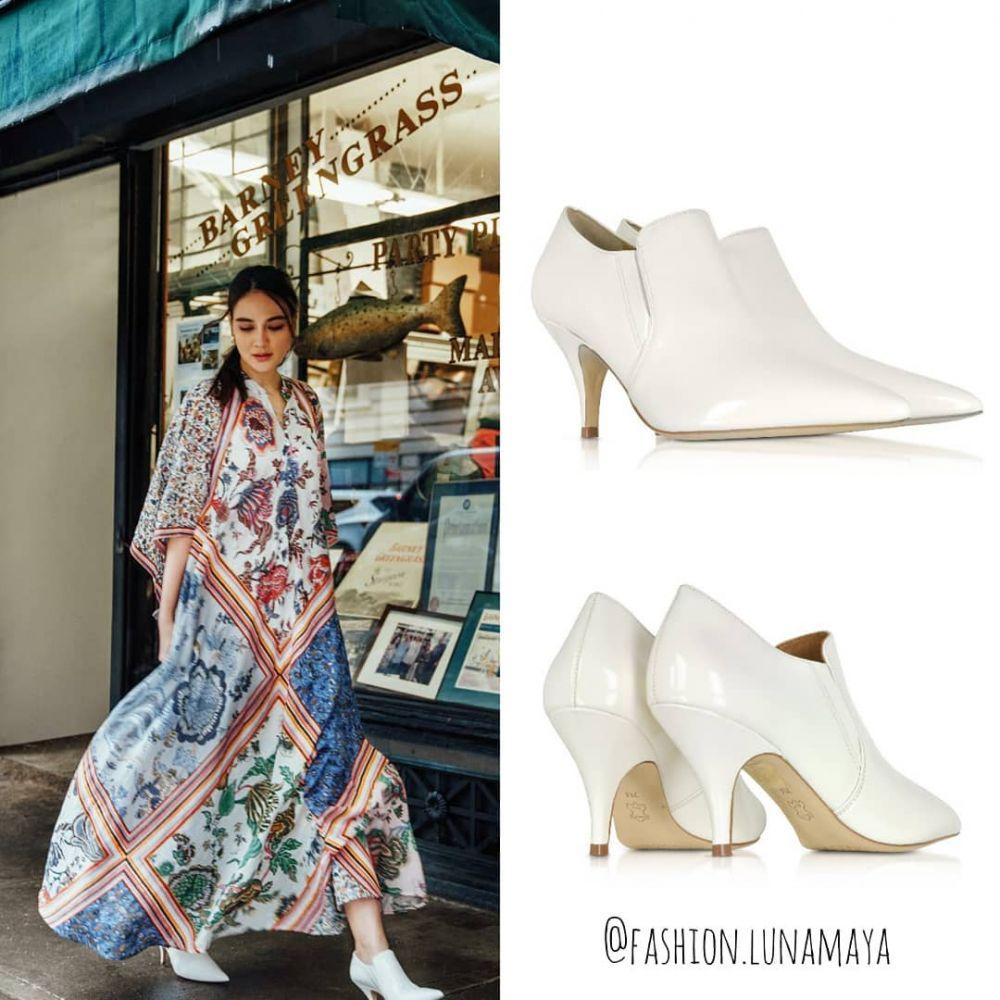 sepatu boots Luna Maya  © 2019 brilio.net
