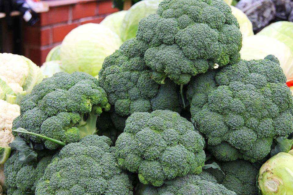 10 Makanan alami penambah darah, cocok untuk penderita anemia © 2019 brilio.net