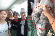 Aksi 5 remaja cantik bersih-bersih stasiun MRT ini bikin kagum