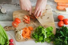 7 Skill memotong ini bikin mama jadi seorang master chef