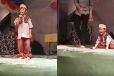 4 Aksi bocah kesal saat lomba di panggung ini bikin ngakak