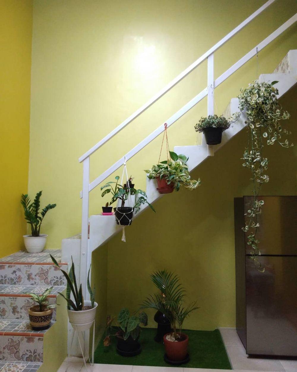 Desain Dapur Minimalis Di Bawah Tangga Cantik Jpg 768 505