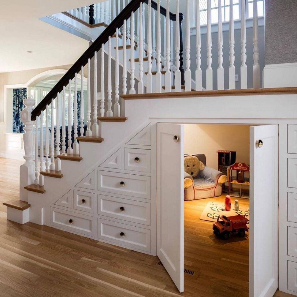 18 Desain Ruangan Bawah Tangga Simpel Dan Cozy Abis Ruang bawah tangga rumah minimalis