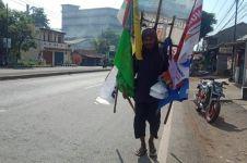 Pria ini jalan kaki Surabaya-Jakarta untuk ikut kampanye akbar di GBK