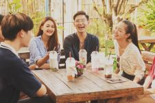 7 Cara kreatif hangout bareng teman beda umur, anti canggung