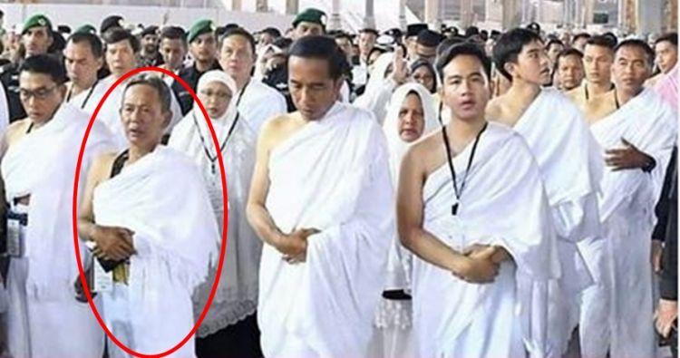 Umrah bareng Jokowi, sosok pria ini curi perhatian