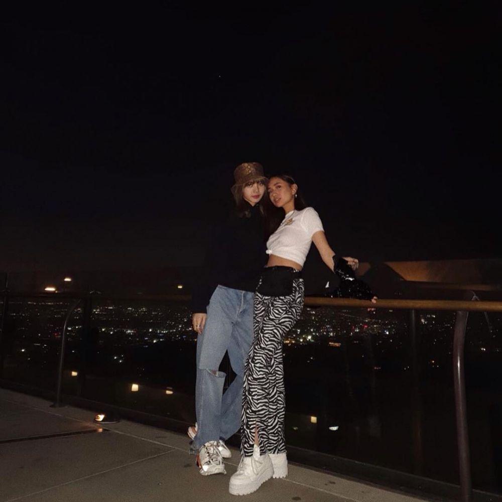 Niki dan Lisa akrab  © 2019 brilio.net