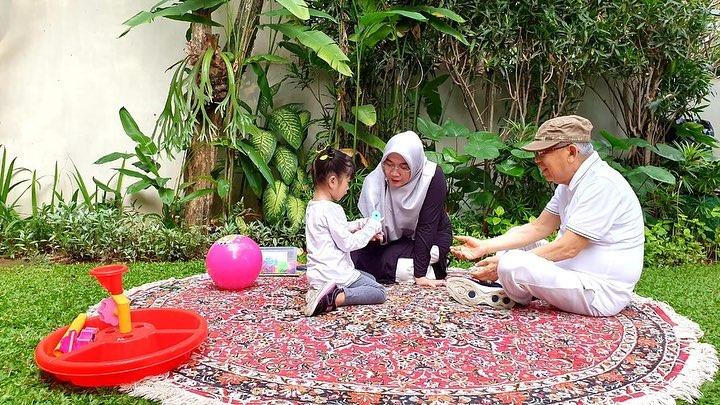 potret Ma'ruf Amin bersama cucu  istimewa