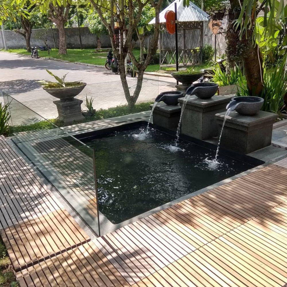 20 Desain kolam ikan minimalis, bikin suasana rumah jadi ...