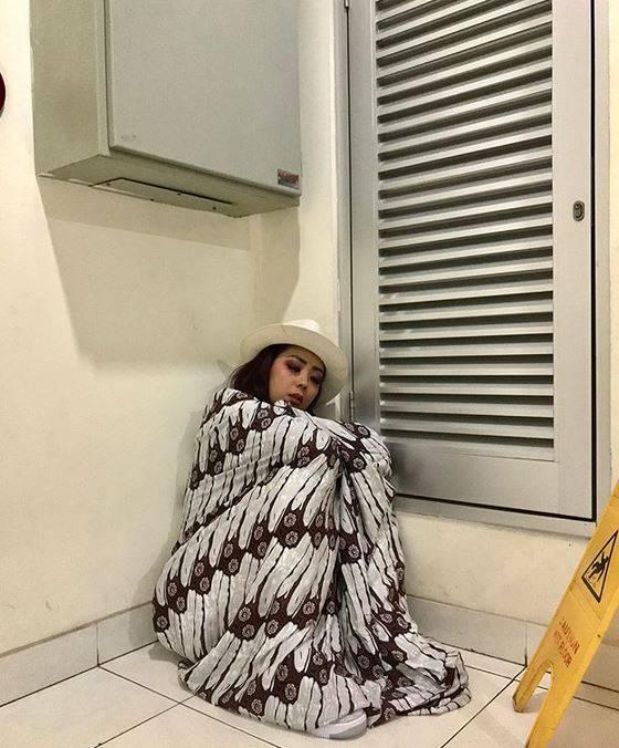 soimah tidur sembarang © 2019 brilio.net