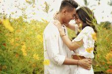6 Potret prewedding Siti Badriah & Krisjana, romantis abis